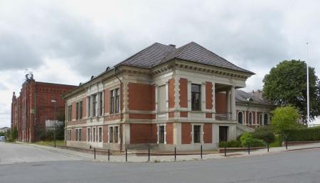 Noch heute sehenswert: die einstige kaufmännische Verwaltung der Bremer Woll-Kämmerei (Foto: Quarz / Wikimedia)
